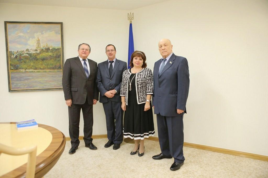 У Конституційному суді України з відбулася зустріч Генеральним секретарем ЄІО