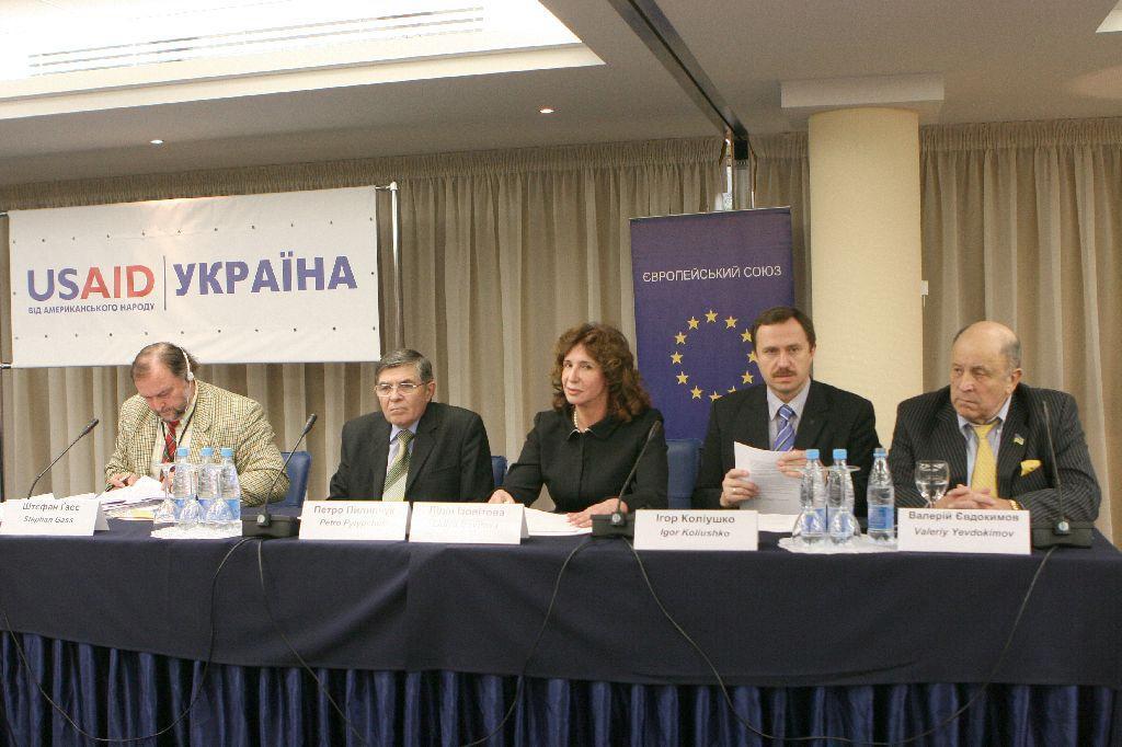 Sudi_ta_suspilstvo_2010-07
