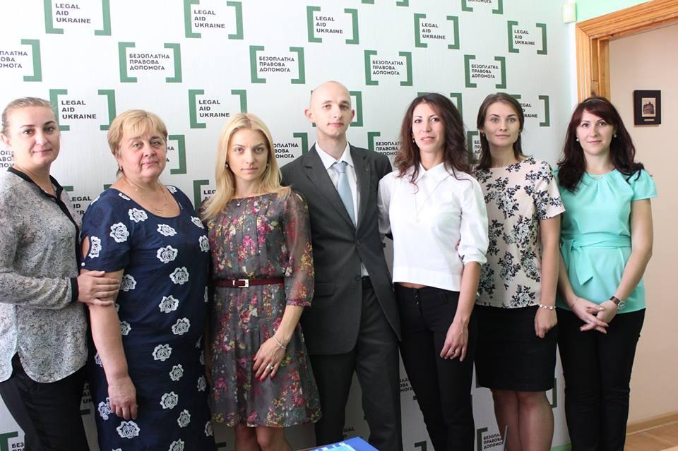 Голова Дніпропетровської обласної організації СЮУ урочисто відкрив бюро безоплатної правової допомоги.
