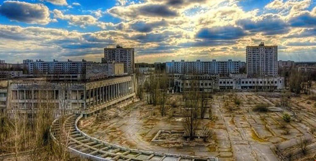26 квітня − День Чорнобильської трагедії.